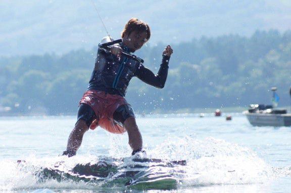 <山中湖>ウェイクボード体験/山中湖で富士山を見ながらウェイクボード!<ウェイクボード体験コース>富士山を見ながら滑走!(15分)