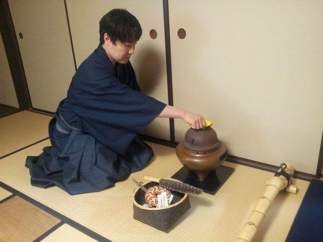 茶事体験(炭点前・茶懐石料理・濃茶・薄茶)茶事体験(炭点前・茶懐石料理・濃茶・薄茶)