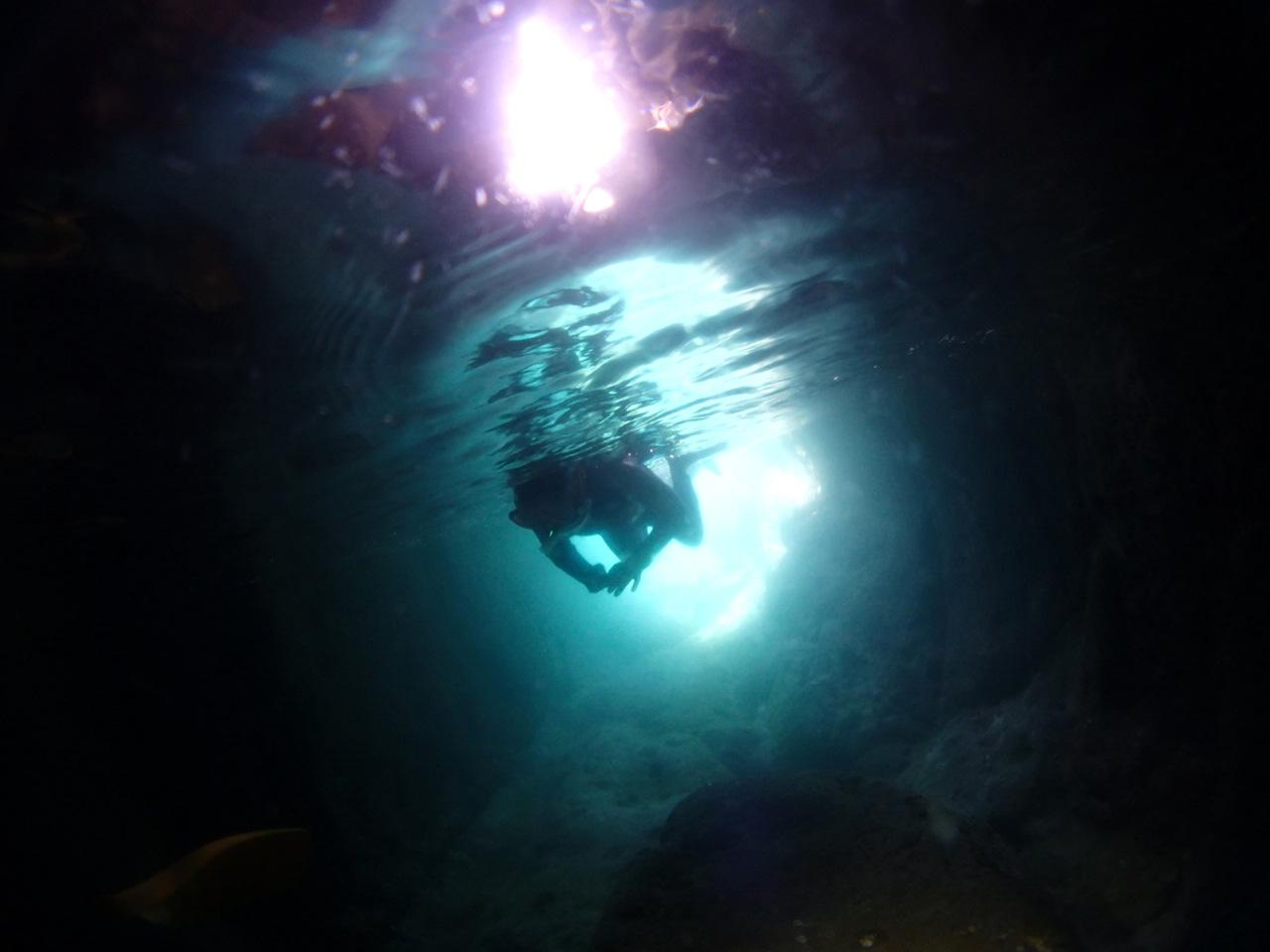 青の洞窟うしぶか ボートからのシュノーケリング ドキドキ探検コース午前コース