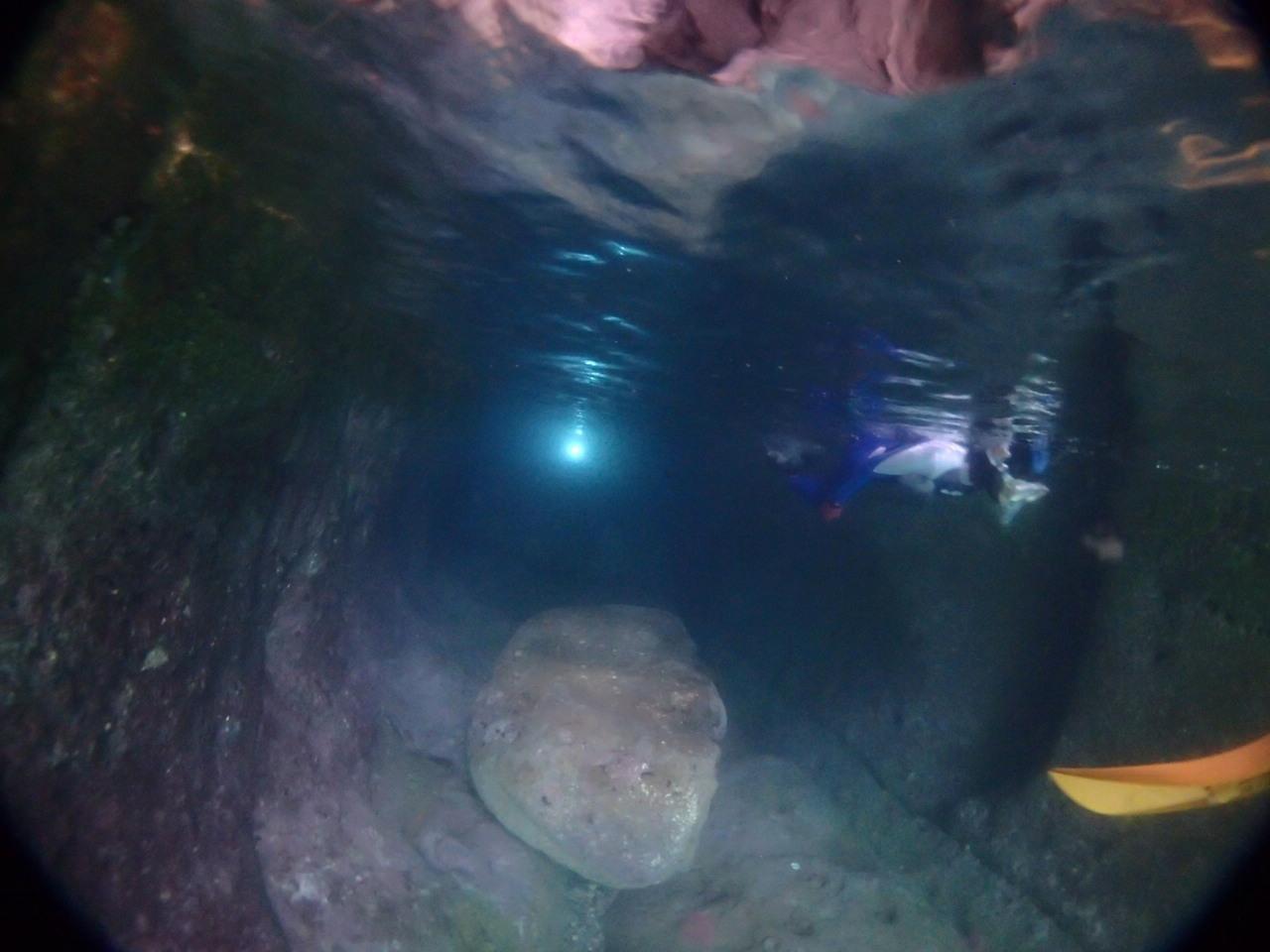 青の洞窟うしぶか ボートからのシュノーケリング遊び 天草牛深朝日を独り占め!早朝コース