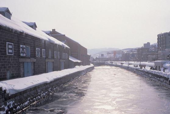 <札幌発着バスツアー>小樽運河散策と小樽ワイン、「白い恋人パーク」めぐり 昼食付き♪小樽運河散策と小樽ワイン、「白い恋人パーク」めぐり 昼食付き♪