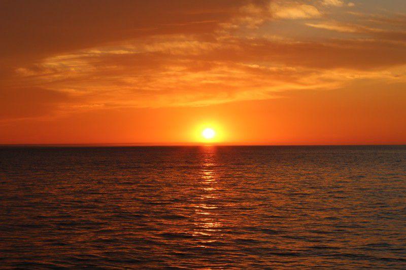 <釧路・クルーズ>サンセットクルーズ~世界三大夕日をクルーズで見に行こう!~【SEA CRANE(シークレイン)】<日没1時間前出航>【4~11月】釧路サンセットクルーズ