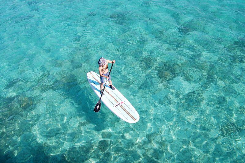 沖縄の青い海をのんびり洋上クルージング。誰でも簡単に楽しめる!パドルボード de 遊ぼう♪沖縄の青い海をのんびり洋上クルージング。誰でも簡単に楽しめる! パドルボード de 遊ぼう♪