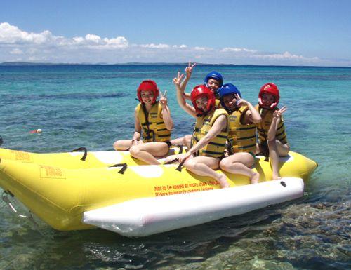 【那覇近郊西原町】きらきらビーチで海水浴してバーベキュー食べてバナナボート乗って。超得プラン「B&B」。那覇から30分!那覇近郊西原町、バーベキューとバナナボート。超得プラン「B&B」。夏の思い出、南国沖縄でバ~ベキュ~