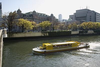 大阪観光の決定版! 落語家と行く なにわ探検クルーズ12:00 湊町船着場 発着/川の環状線コース(約90分)