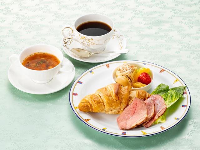 <ランチクルーズ>最上階ラウンジで展望サンドイッチセット/シンフォニー東京湾クルーズ(11:50~14:00)展望サンドイッチセット/シンフォニーのランチクルーズ