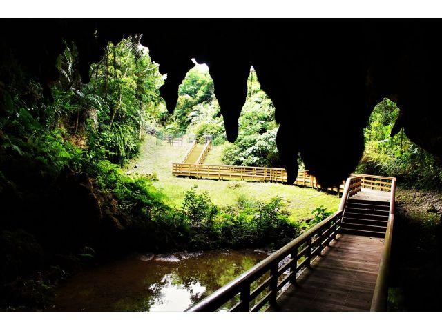 メーガー洞と周辺史跡巡り10:00発 / メーガー洞と周辺史跡巡り