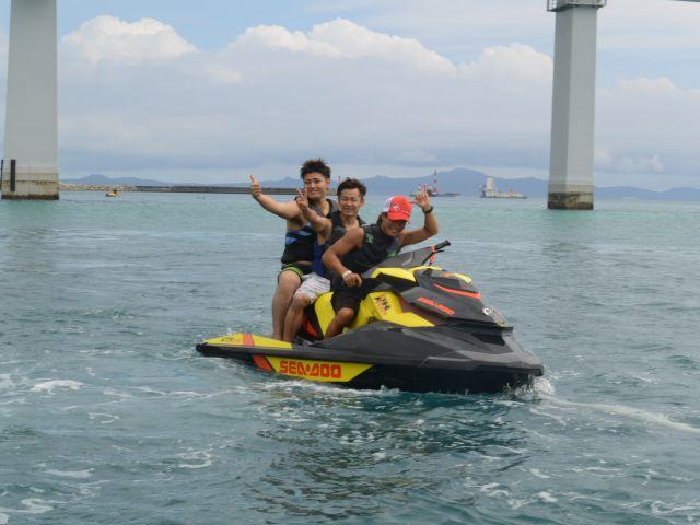 【瀬底島】海の上をドライブ♪マリンジェット!瀬底島でのマリンジェット体験