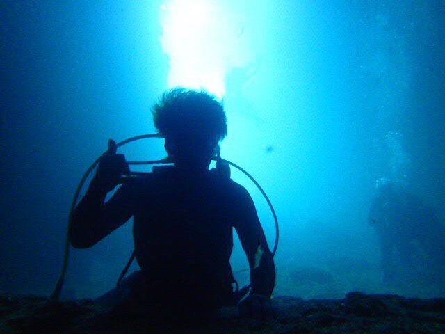【体験ダイビング】沖縄で大人気スポット 青の洞窟【体験ダイビング】沖縄で大人気青の洞窟ツアー(8:00コース)