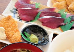 """""""なりきり漁師""""<魚さばき体験+ランチセット(ご飯、魚汁、天ぷら調理付)>""""なりきり漁師"""""""