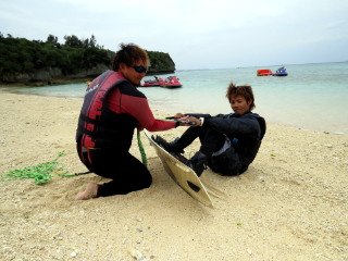 【沖縄・本部】塩川ビーチで遊ぼう!ウェイクボード トーイング塩川ビーチで遊ぼう!ウェイクボード トーイング