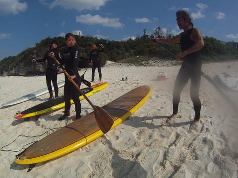 【沖縄・本部】塩川ビーチで遊ぼう!X スタンドアップパドル体験塩川ビーチで遊ぼう!X スタンドアップパドル体験