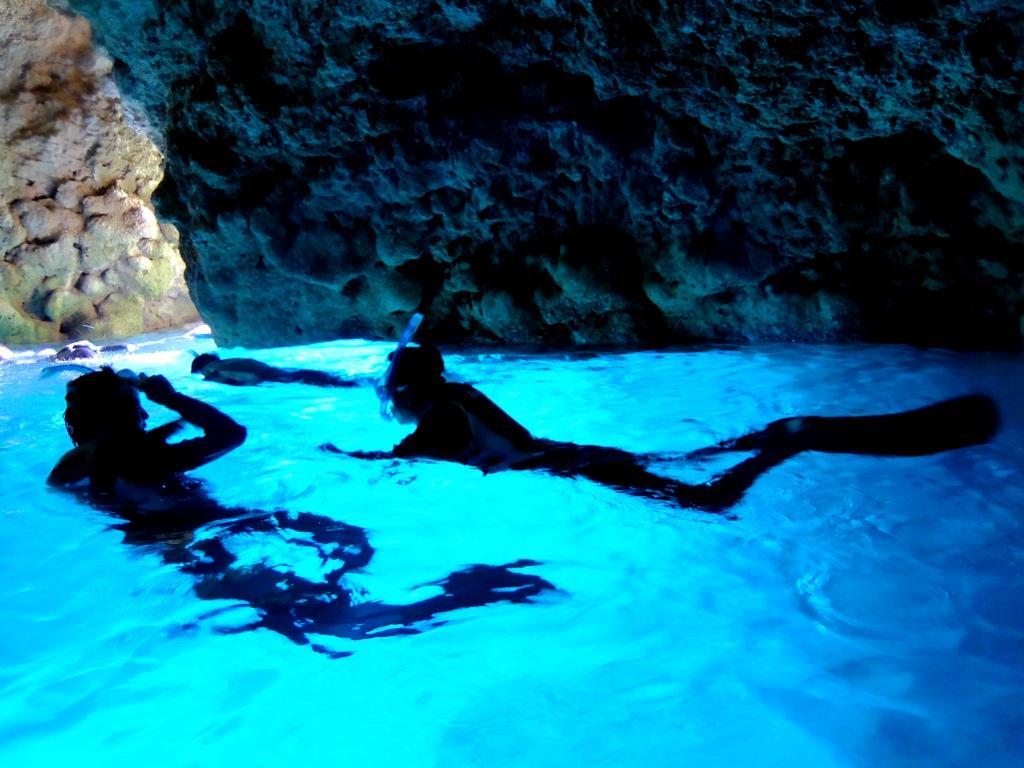 【当日予約OK!】ボートで行く、青の洞窟でシュノーケリング青の洞窟探検!ボート体験シュノーケリング★ 1便/9:00出航便
