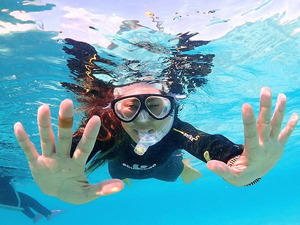 キラキラな海とカラフルな熱帯魚の世界へ!サクッと遊べる半日シュノーケリングツアー!<石垣島>【8:30~】半日ボートシュノーケル