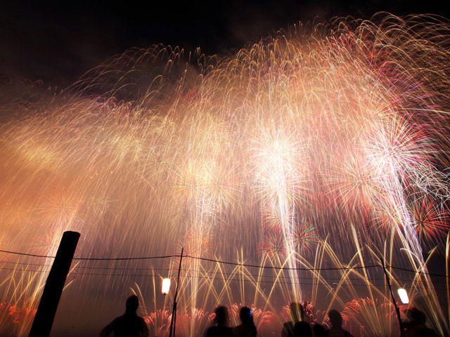 日本3大花火大会のひとつ「土浦全国花火競技大会」