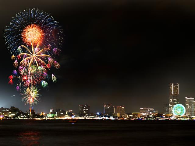 みなとみらいスマートフェスティバル2019~音と光で夜を彩る洋上のパフォーマンス