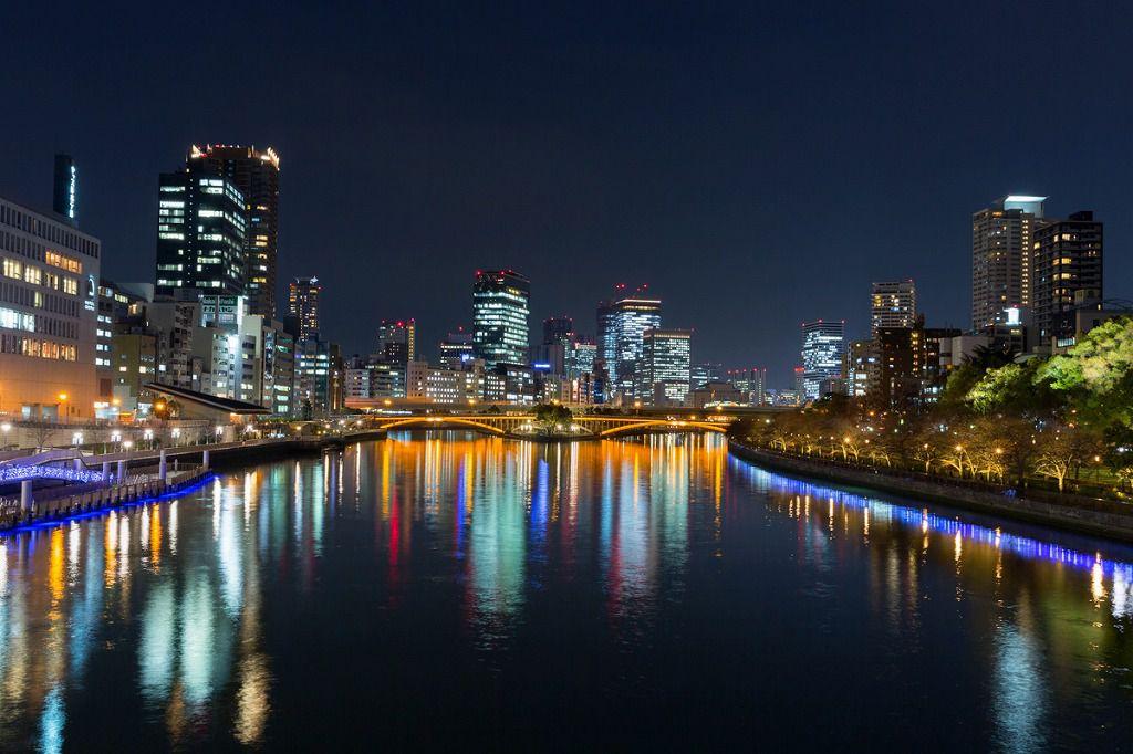 リーガロイヤルホテル大阪ディナービュッフェ&イルミネーションクルーズ