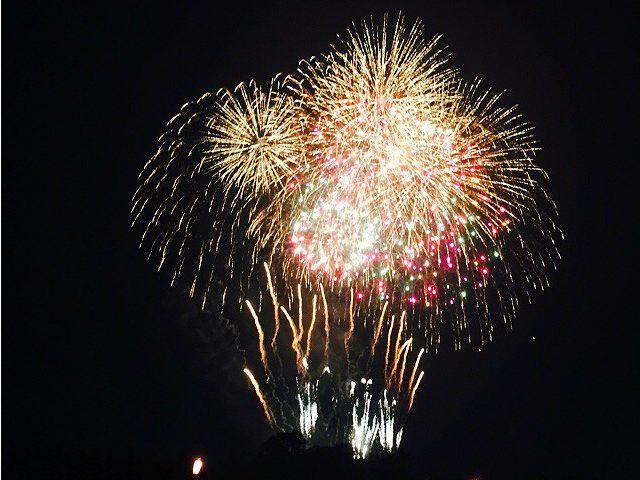日本で1番早い夏の大花火を海の上から鑑賞...の写真