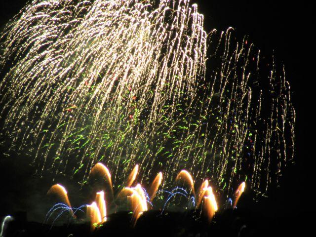 【北谷発着・プライベートチャーター】日本で1番早い夏の大花火を海の上から鑑賞しよう♪【JAM】