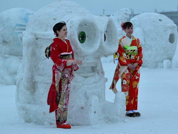 雪景色の中、着物を着て街歩き IN稚内