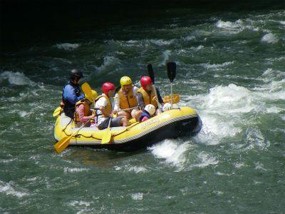 3歳のお子様からシニアの方まで、緩やかな空知川下流で川遊び!
