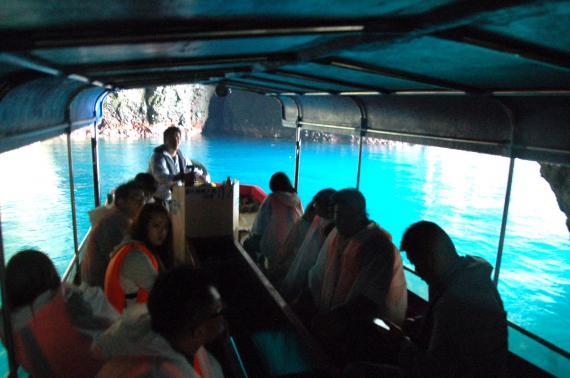 小樽初のグラスボートで行く青の洞窟クルーズツアー