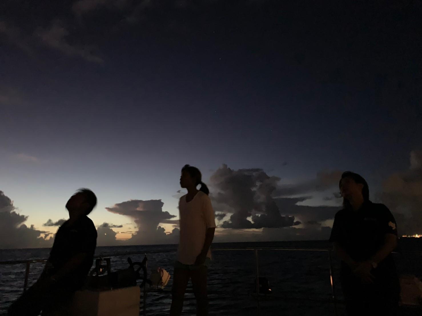 星空クルーズ☆彡三線の生演奏&海から眺める夜景も絶景!ワンドリンク付き!
