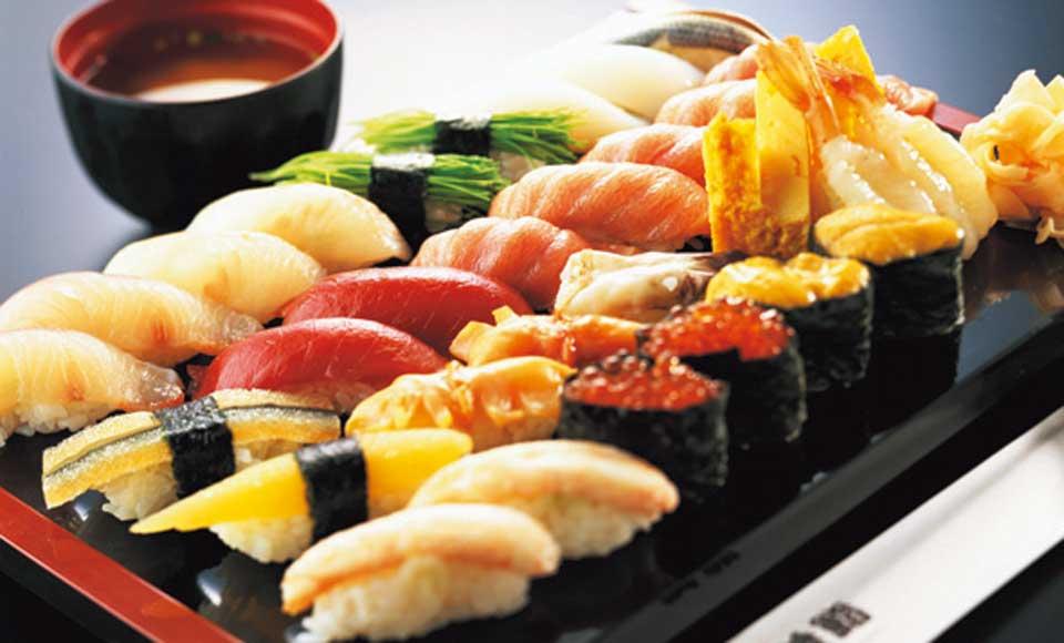 【A898】迎賓館赤坂離宮 本館内部見学と高級寿司食べ放題