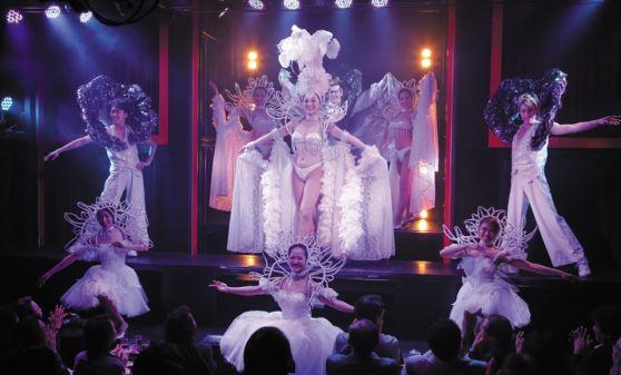 【B276】銀座 笑座こんぱるニューハーフショーと豪快グリルブッフェ