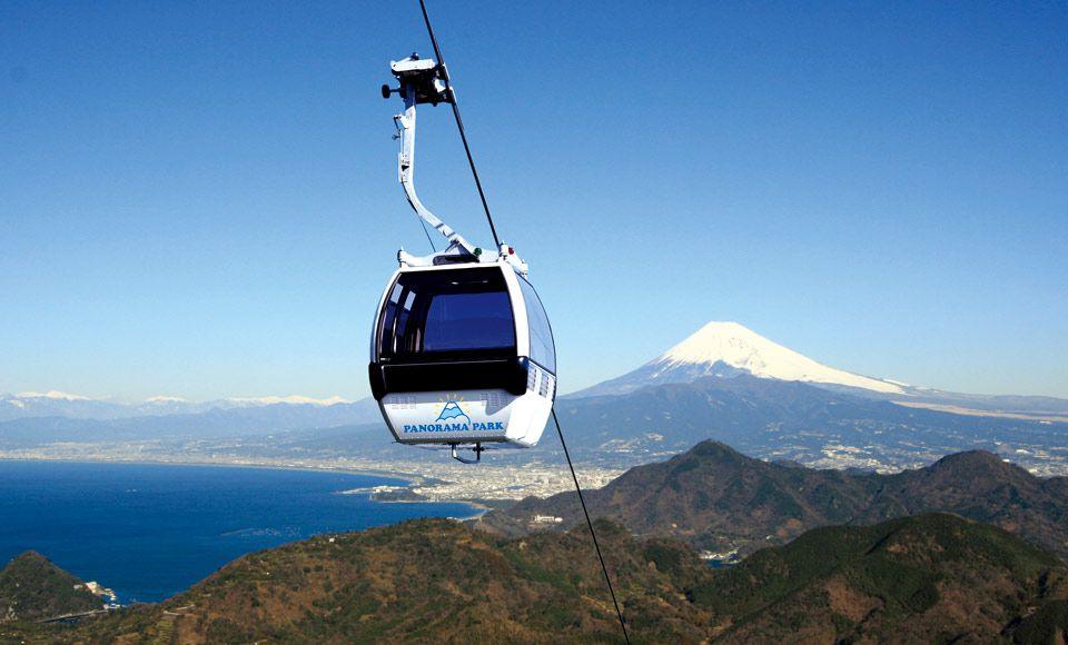 静岡の絶景!ロープウェイで行く富士見テラス&吊り橋から眺める五竜の滝といちご狩り
