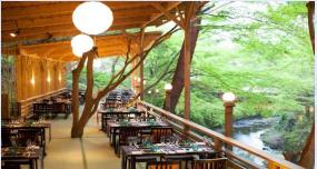 京の風物詩!しょうざんの川床料理で贅沢舌鼓