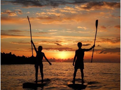 1日1組限定!オレンジ色に染まる海へ漕ぎ出そう!サンセットSUPクルージング