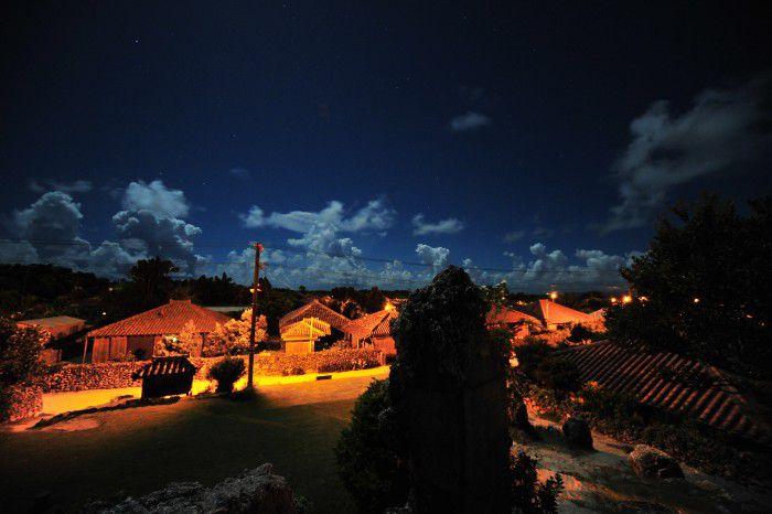 【安栄観光・<T>竹富島トワイライトツアー】石垣宿泊でも楽しめる夕焼け&星空ツアー【食事付き】