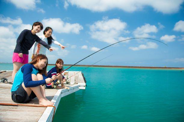 アラハビーチでいかだ釣り&アメリカンビレッジ 人気店のステーキランチ付き