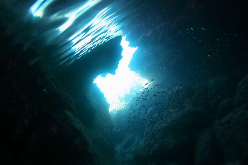伊良部島開催・「青の洞窟」シュノーケリングツアー