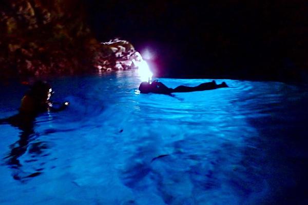 【ピンクマーリンクラブ】青の洞窟ボートシュノーケリング