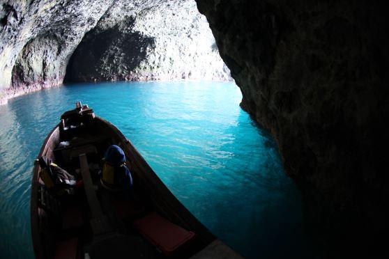 北海道・青の洞窟探検
