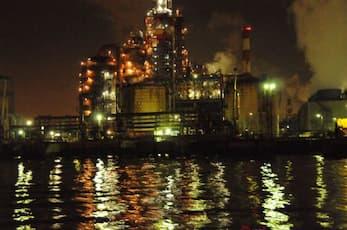 肉食系交通船で行く工場夜景探検ツアー